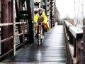 Es ist die längste Eisenbahn-Klappbrücke Deutschlands.